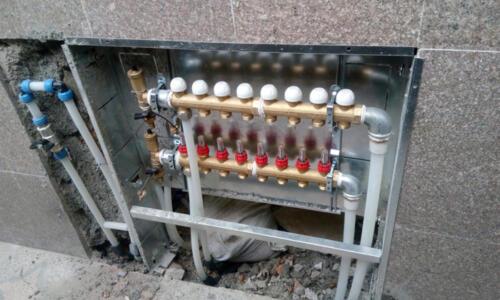 نصب کلکتور سیستم گرمایشی کفی